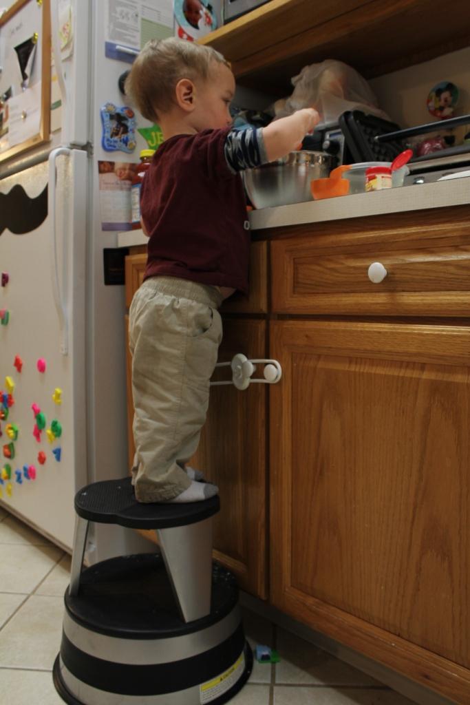 Kitchen Helper Stool Reviews