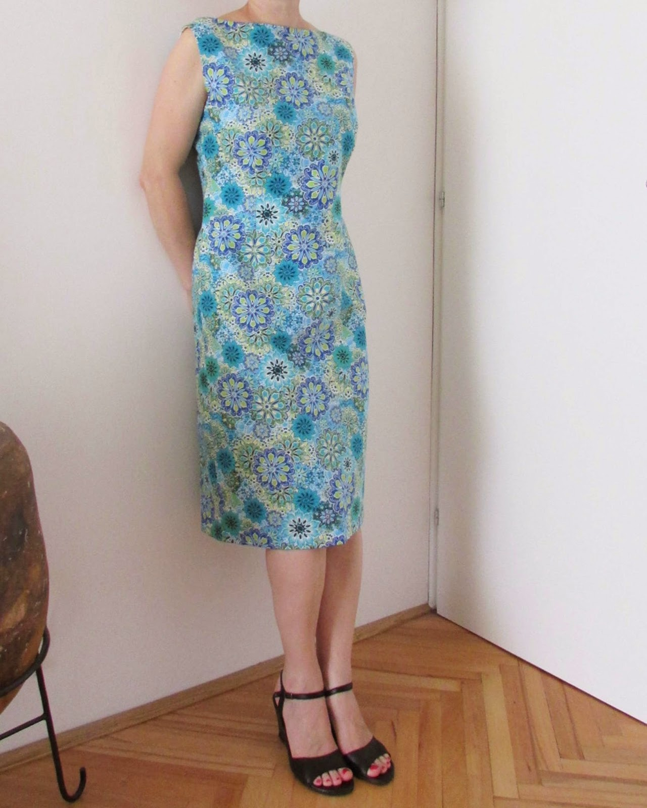 http://ladylinaland.blogspot.com/2014/08/calypso-dress.html