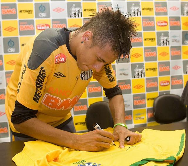 Santos nhận được số 'tiền lẻ' từ vụ Neymar