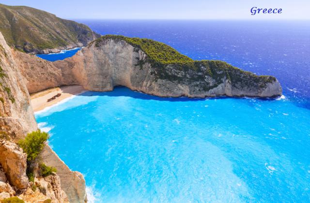 5 Beautiful Beaches in Greece