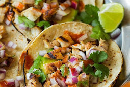 Avocado and Grilled Chicken Street Tacos