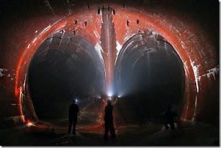 Underground+Tunnel+Beneath+Niagara+Falls%5B3%5D Un Politician Din Norvegia Avertizează: Pregătiri Secrete - Dezastre Planetare
