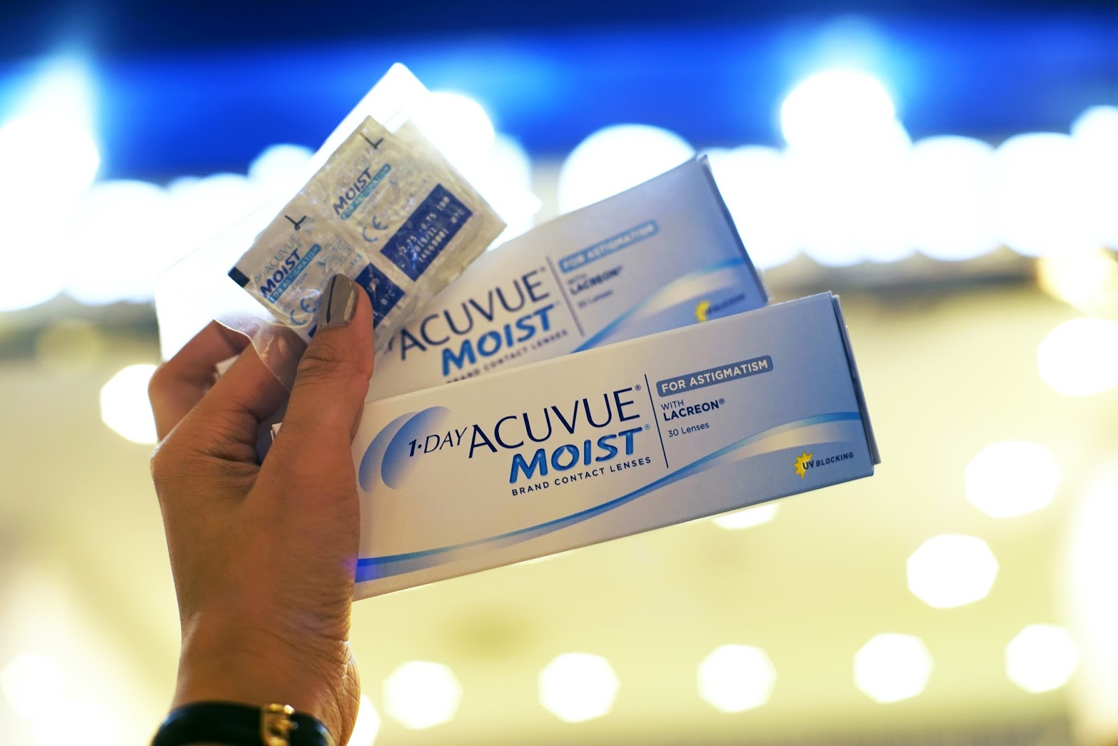 Sample store acuvue lens viviantians recalling back in the days when i tried out my very first pair of contact lenses i was told i had to round up my degree by 05 because soft lenses for nvjuhfo Image collections