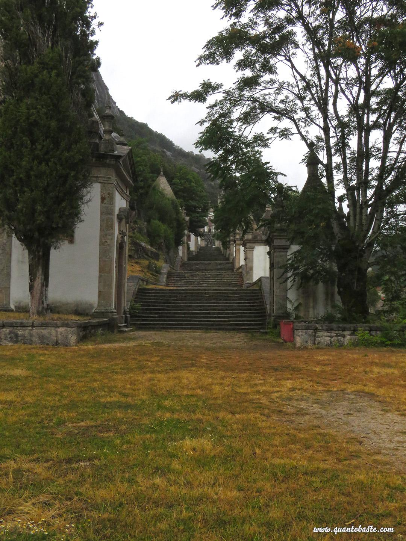Parque Nacional Peneda-Gerês - Capelas do Santuário de Nossa Senhora da Peneda