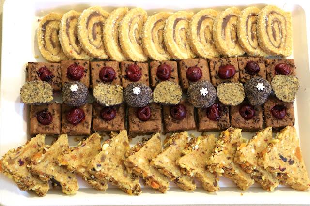 4-vrste-sitnih-kolača-od-jedne-mase