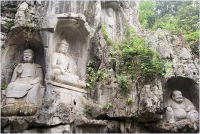 ประติมากรรมรูปสลักพระอรหันต์วัดหลิงอิ่น (Lingyin Temple)