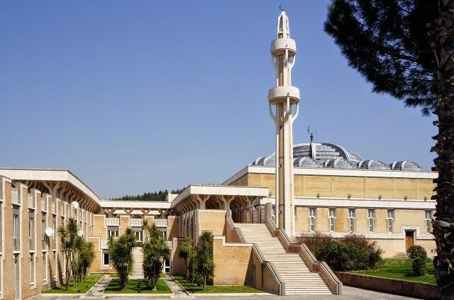 Masjid Roma, Italia
