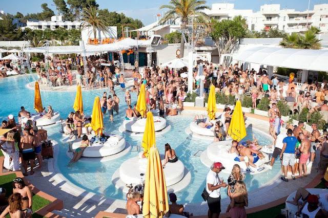 Beach Clubs em Ibiza