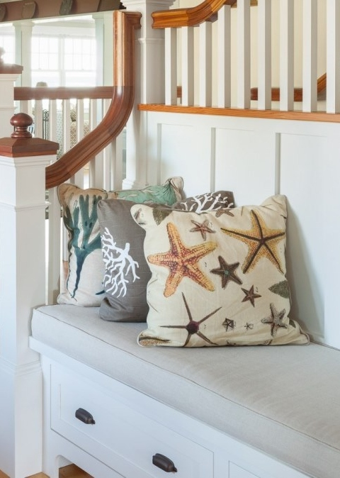 How to Mix and Match Different Pillows