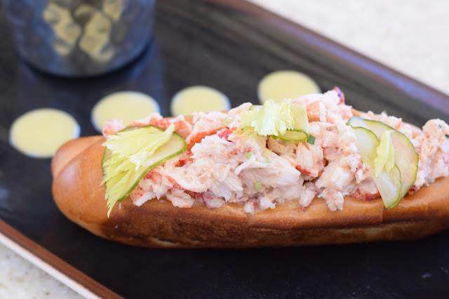 hawaii lobster roll