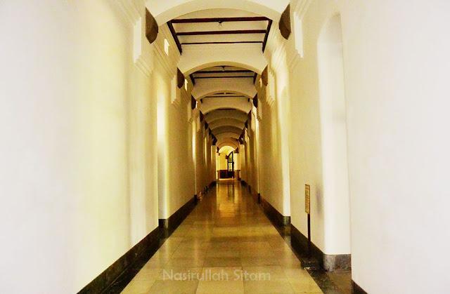 Semacam lorong yang lengang