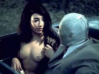 Escenas sexuales indecentes