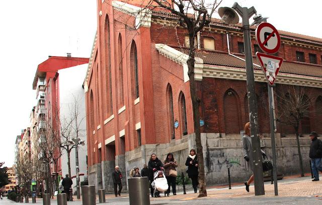 Iglesia de San José en el paseo de Los Fueros