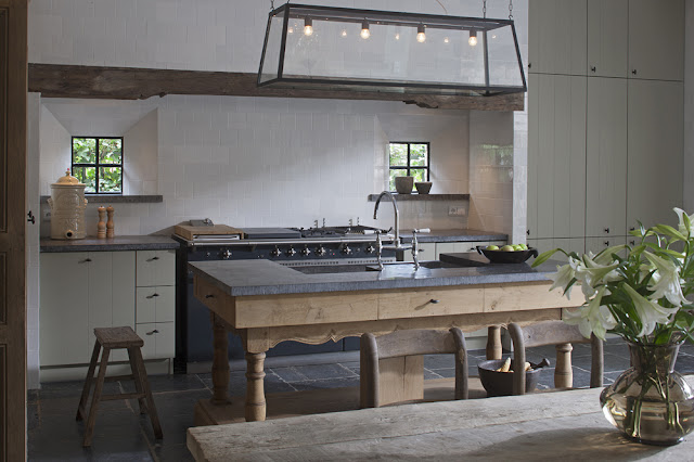 Kitchen image via 't Achterhuis Historic Building Materials, The Netherlands, as seen on Source Sharing, linenandlavender.net http://www.linenandlavender.net/2013/02/source-sharing-t-achterhuis-nl.html