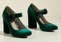 Modccloth is a US website and great for retro looking shoes and clothes