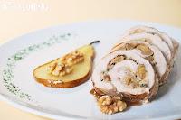 Pollo relleno con nueces y pera