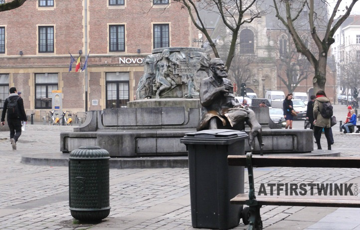 Agoraplein with statue of former mayor, Charles Buls (Karel Buls) and his dog
