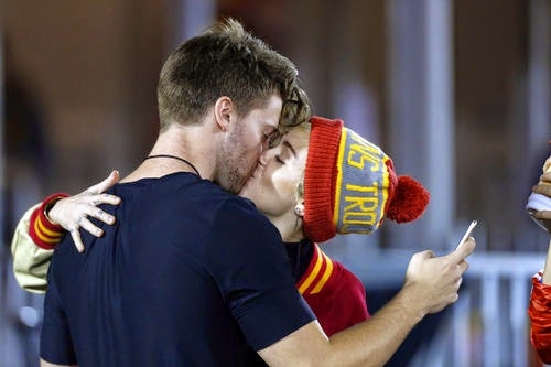 Kiss Miley cyrus and patrick schwarzenegger