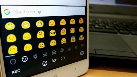 simbol emoticon android