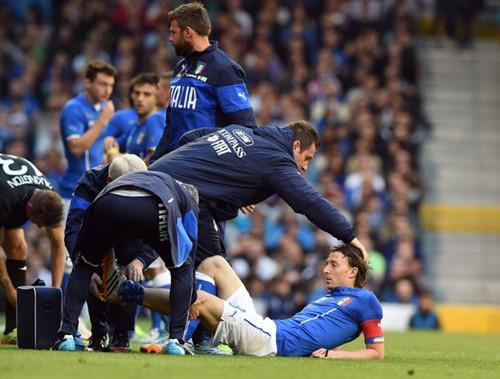 Montolivo bị thương nặng và có thể sẽ phải nghỉ thi đấu ít nhất 2 tháng