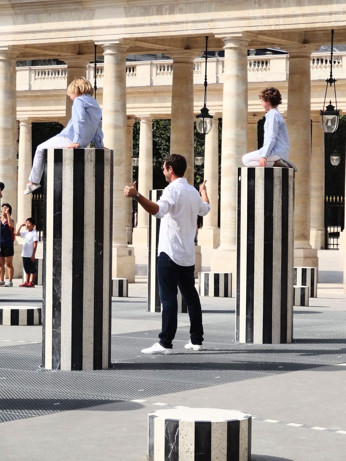 Daniel Buren Les Deux Plateaux : daniel, buren, plateaux, Estetic, Senses!:, Recherche, Paris, Perdu