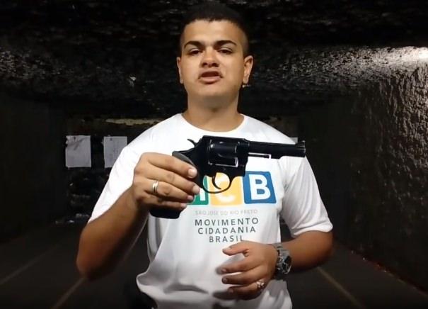 Revolver 38 manuseio e empunhadura