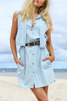 Sleeveless sky blue dress