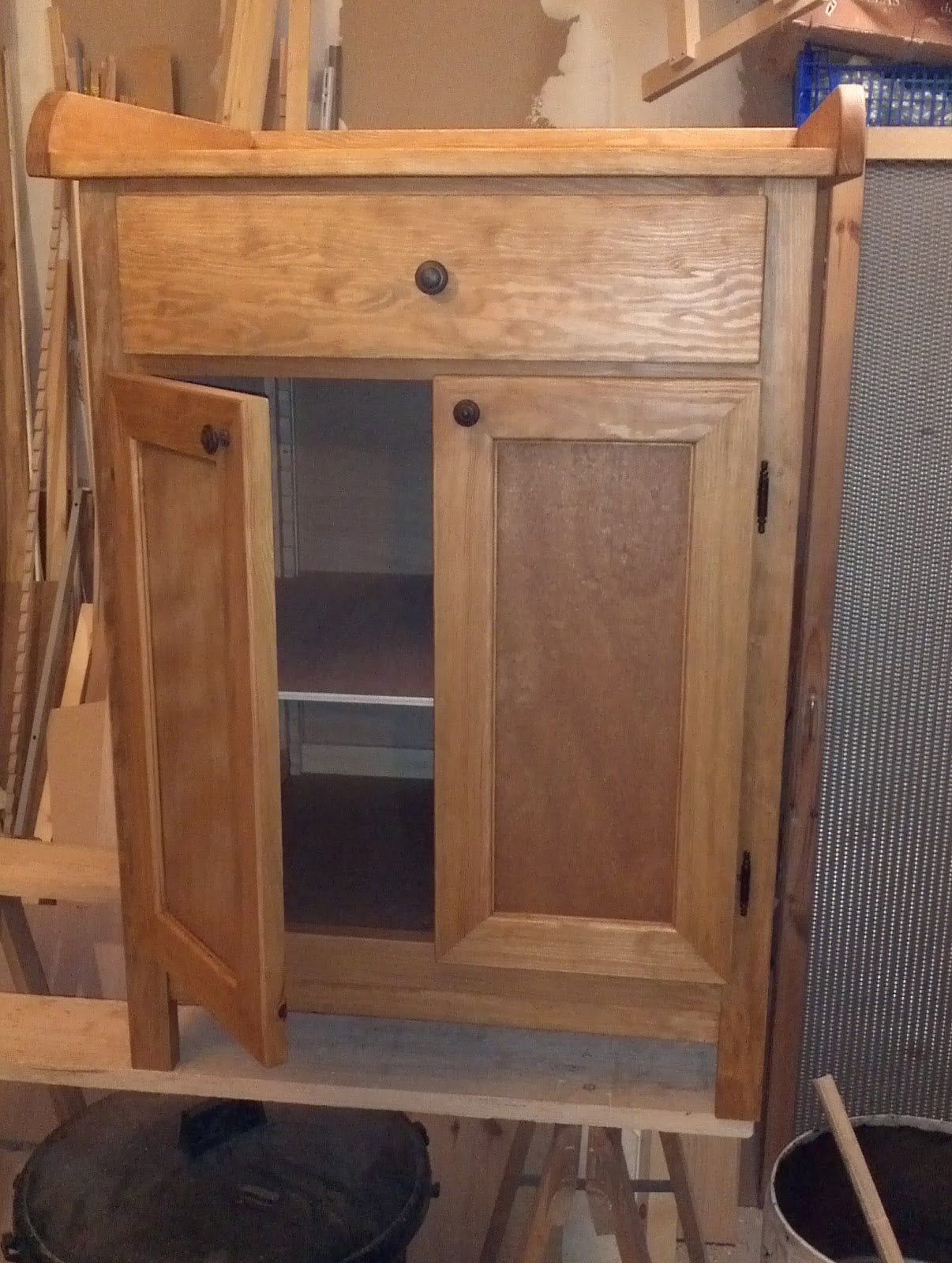 touche du bois table langer. Black Bedroom Furniture Sets. Home Design Ideas
