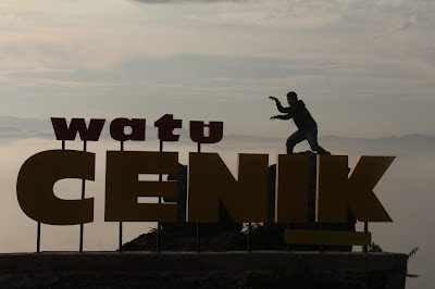 wisata watu cenik bukit gantole kabupaten wonogiri jawa tengah indonesia wisataarea.com