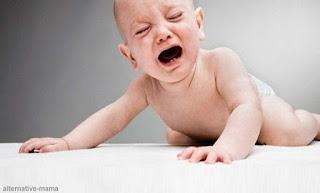 Pertolongan Pertama Bayi Terjatuh Dan 9 Tanda-Tanda Bayi  Yang Memerlukan Perawatan Intensif