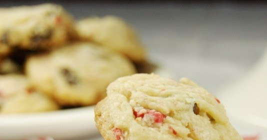 Peppermint Crunch Chocolate Chip Cookies The