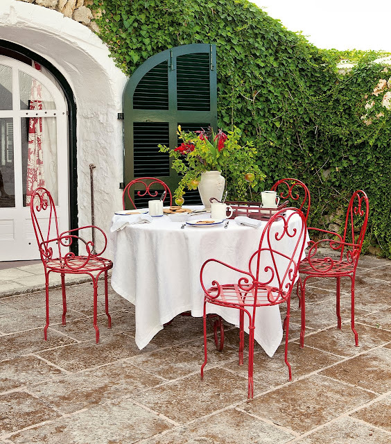 scaune rosi din fier forjat