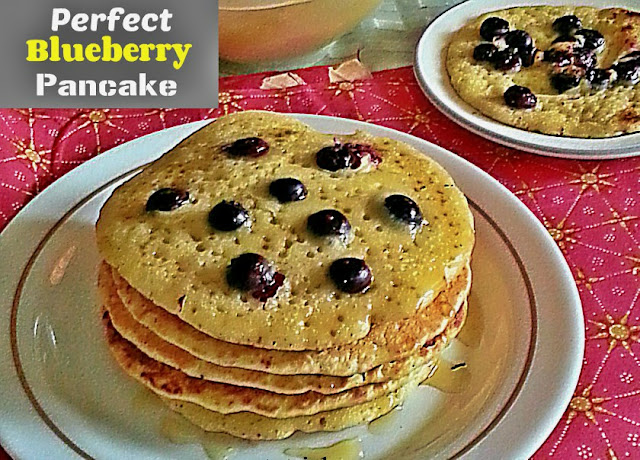 Perfect Blueberry Pancake Recipe  @ treatntrick.blogspot.com