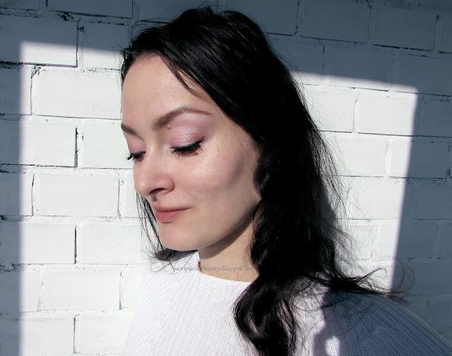 Сверкающая красотка Mary-Lou Manizer от The Balm