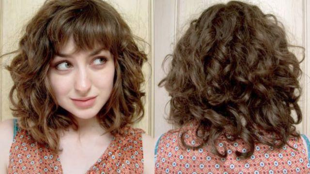 Curly bangs atau poni kerting