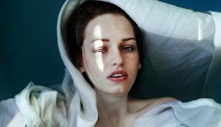Το «τέλος» της γυναίκας θα το καταλάβεις από το βλέμμα και τη σιωπή της