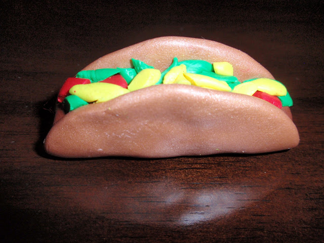 polymer clay, diy, make yourself, how to, taco, dinner, tutorial