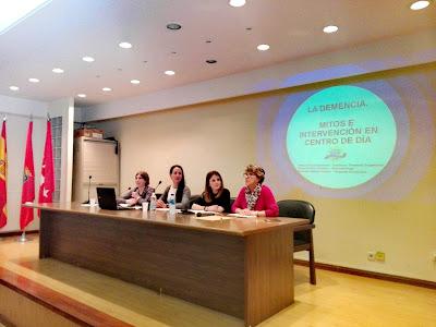 charla-asociacion-mujeres-democraticas-vitalia-alcala-de-henares