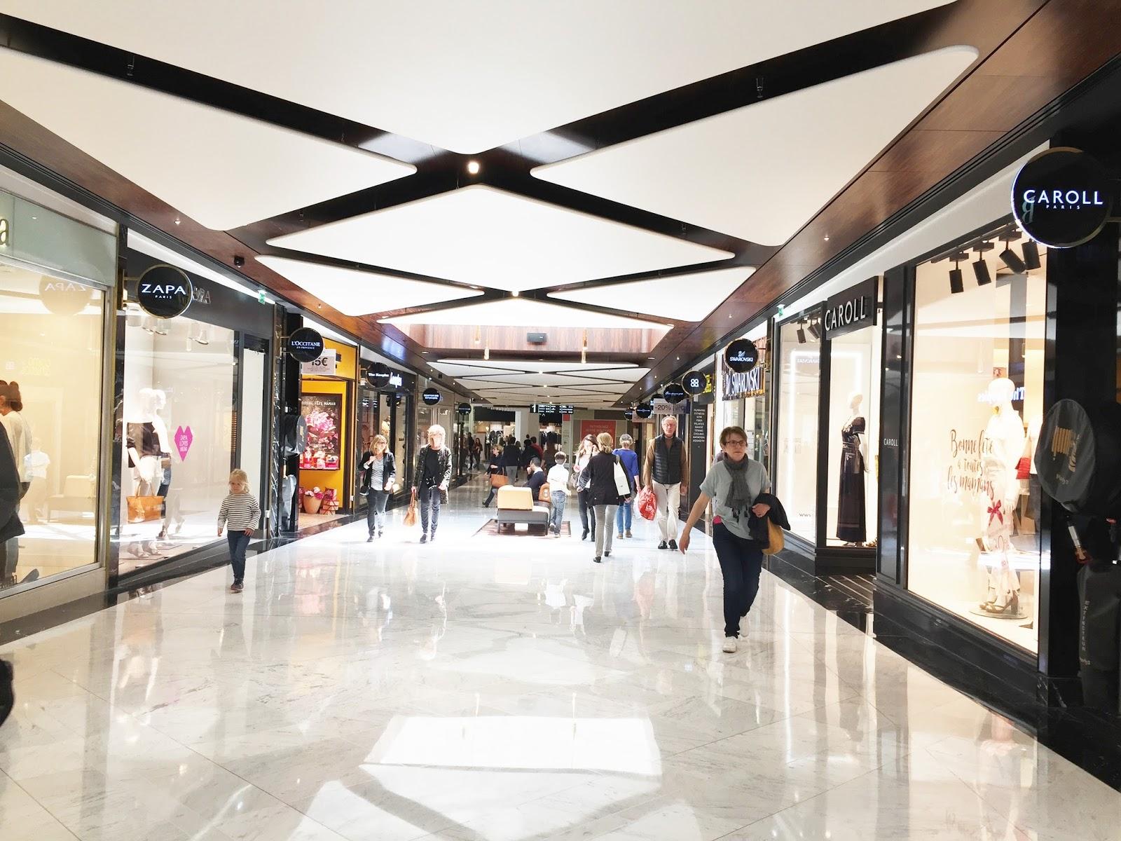 shopping centre commercial parly 2 le chesnay versailles ambassadeurParly2 ambassadrice achat magasin 78 yvelines caroll zapa l'occitane