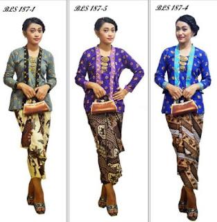 Desain baju batik pramugari untuk wanita muda