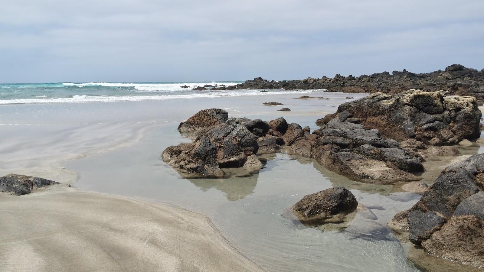 Playa Orzola, Lanzarote, Wyspy Kanaryjskie, Hiszpania, Espana, plaża dla surferów, północ Lanzarote