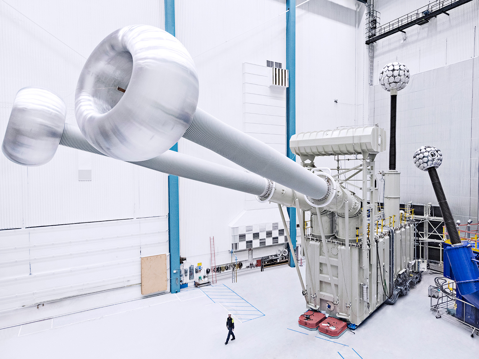 hight resolution of abb has set another pioneering innovation record with the successful testing of the low and high voltage units of the world s most powerful