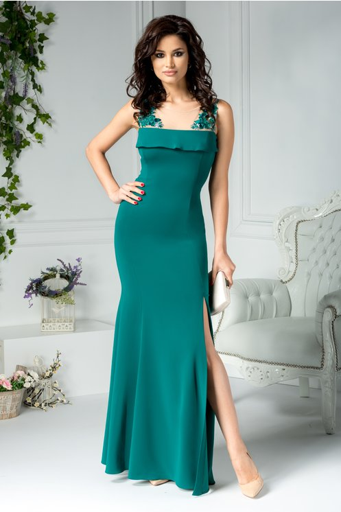 Rochie verde lunga eleganta de seara  Bustul si spatele decupate  Voal cu broderie florala, perle si paiete