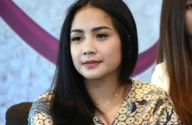 Nagita Buka Toko Kue di Depok, 'Matikan' Geboy Cookies Ayu Ting Ting?