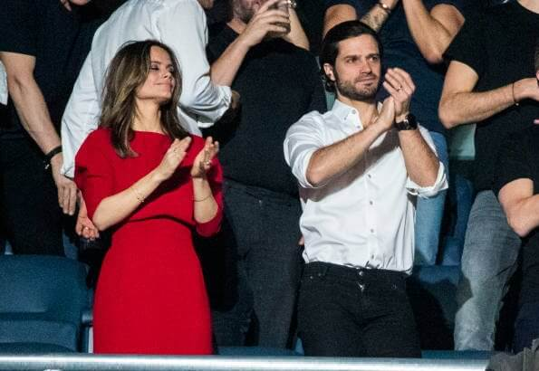 Princess Sofia wore Lilli Jahilo Adele long sleeve midi dress. David Guetta, Kygo, Dimitri Vegas and Mike, Nicky Romero and Laidback Luke
