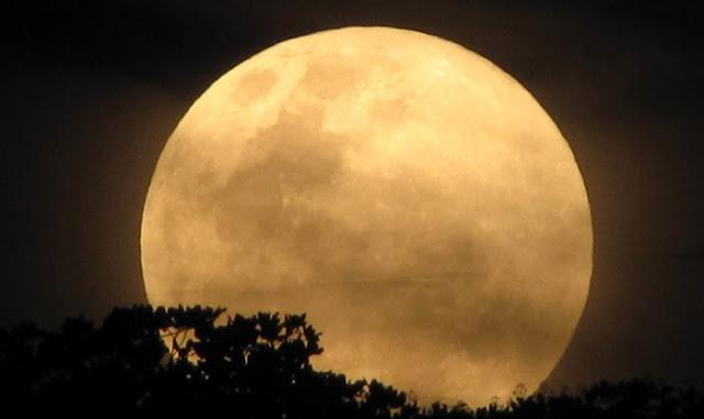 Στις 14 Νοεμβρίου η πιο μεγάλη και φωτεινή πανσέληνος των τελευταίων 70 ετών