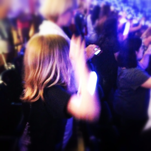 Erin Janda Rawlings Mommy on the Spot Being the Fun Parent at the Taylor Swift 1989 Concert