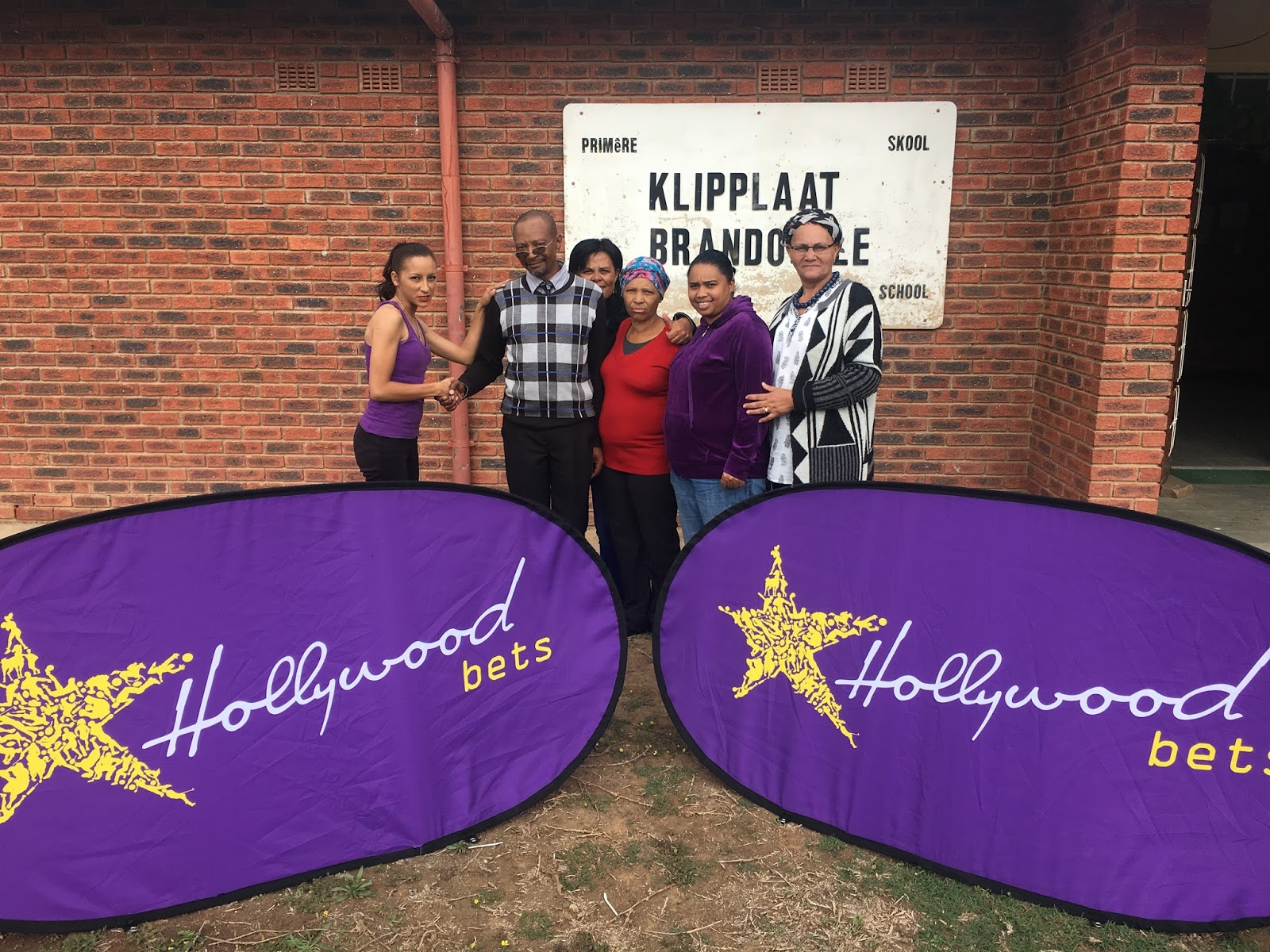 Brandovale Primary School is able to re-open their library thanks to a donation from Hollywoodbets Jeffreys Bay