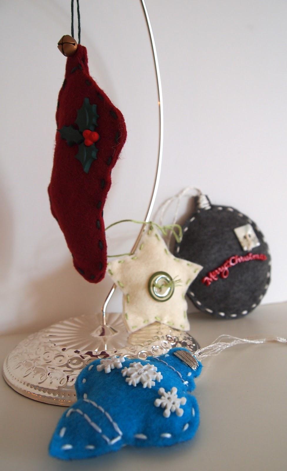Craft Room Confidential: {Handmade Christmas} Felt Ornaments