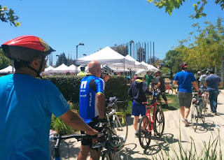Riders queuing to sign in, Tour de Moffett Park, Sunnyvale, California
